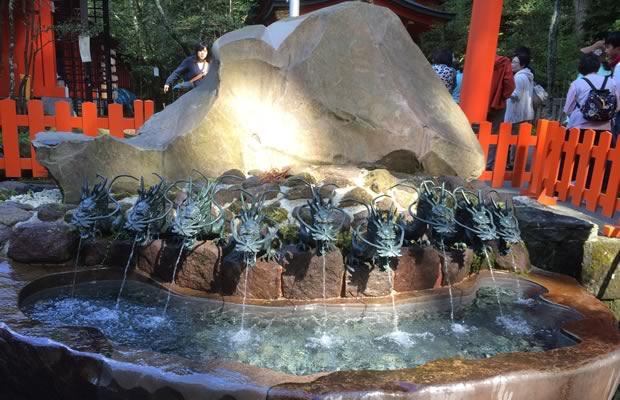 霊水・箱根神社の龍神水