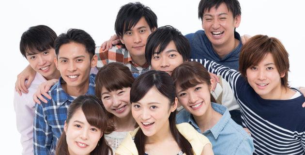 笑顔/若い男女グループ